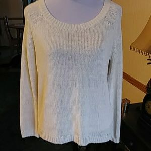 Kinnucans Sweaters - Unique ivory sweater with floral back NWT
